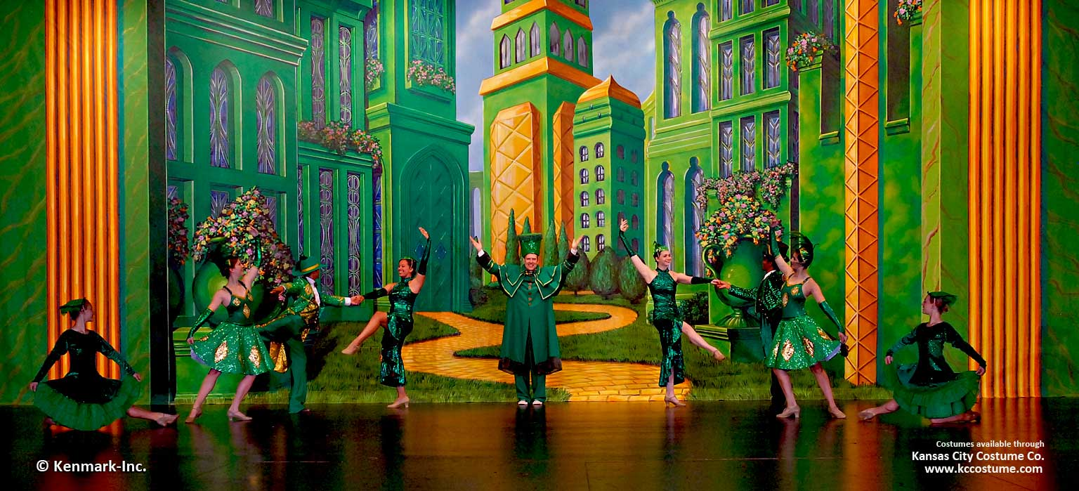 ED667 Emerald City Interior with cast